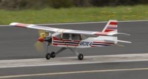 avion rc trainer con bandas eleasticas